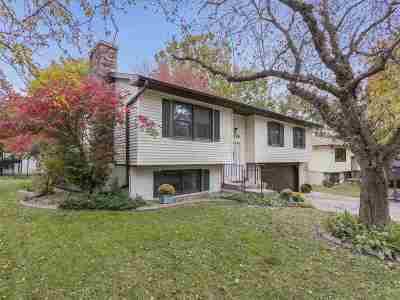 Iowa City IA Single Family Home For Sale: $225,000