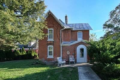 Iowa City IA Single Family Home For Sale: $245,000