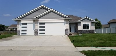 North Liberty Single Family Home For Sale: 1405 Tartan Dr.