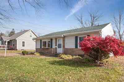Cedar Rapids Single Family Home For Sale: 3211 C Ave NE