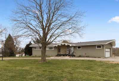 Cedar Rapids Single Family Home For Sale: 8307 Spanish Rd