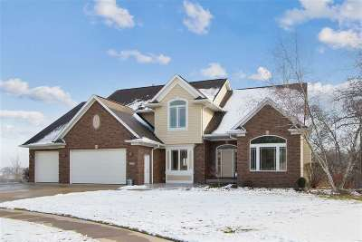 Coralville Single Family Home For Sale: 2337 Wickham Cir