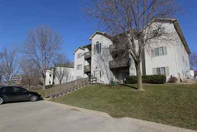 Coralville Multi Family Home For Sale: 2880 Coral Ct