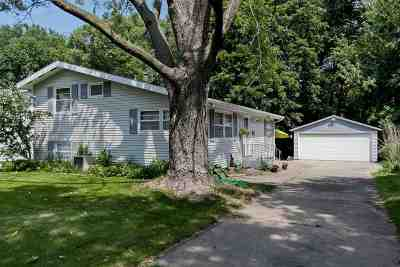 Cedar Rapids Single Family Home For Sale: 1506 Pawnee Dr NW