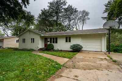Iowa City Single Family Home For Sale: 395 Koser Avenue