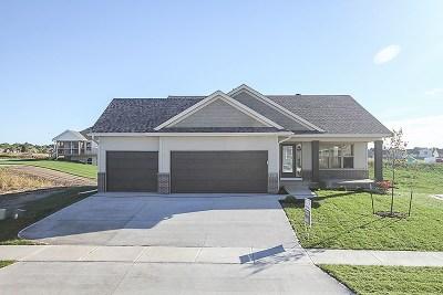 Iowa City Single Family Home For Sale: 2848 Wagon Wheel Dr