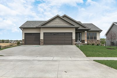 Iowa City Single Family Home For Sale: 2840 Armstrong Dr