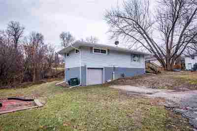 Muscatine County Single Family Home New: 102 Amy Drive