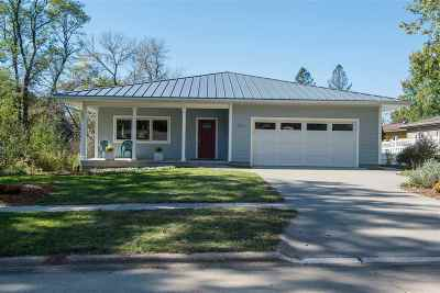 Iowa City Single Family Home New: 1511 Bristol Dr