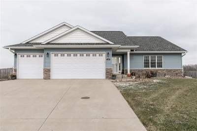 North Liberty Single Family Home For Sale: 1500 Harvest St