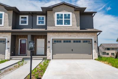 North Liberty Condo/Townhouse For Sale: 1187 Leann Circle