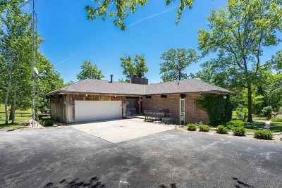 Columbus Junction IA Single Family Home For Sale: $299,000