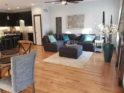 Johnson County Condo/Townhouse For Sale: 1160 Ivy Ln