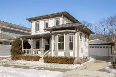 Iowa City Single Family Home Contingent: 640 Walker Cir