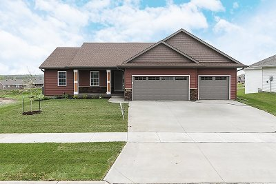 Johnson County Single Family Home For Sale: 2839 Armstrong Dr