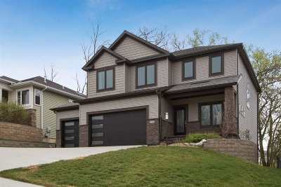 Coralville Single Family Home For Sale: 2917 Broken Woods Dr