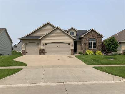 North Liberty Single Family Home For Sale: 1845 Wood Duck Ct