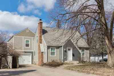 Iowa City Single Family Home For Sale: 30 Prospect Lane