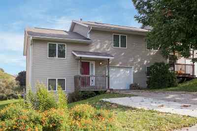 Coralville IA Condo/Townhouse For Sale: $158,000