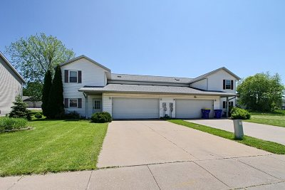North Liberty Single Family Home For Sale: 60 & 62 Parkview Ct.