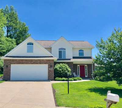 Coralville Single Family Home For Sale: 3000 Wind Ridge Dr