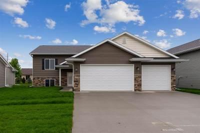 Iowa City Single Family Home For Sale: 1724 Dickenson Ln