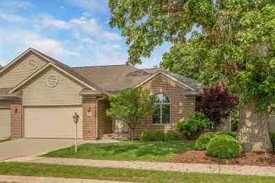 Johnson County Condo/Townhouse For Sale: 103 Birkdale Court
