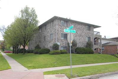 Iowa City Multi Family Home For Sale: 701 Bowery St #1-9