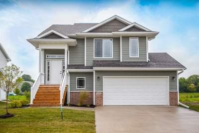 Iowa City Single Family Home For Sale: 2443 Indigo Dr.