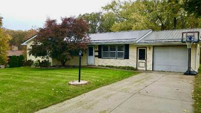 Columbus Junction IA Single Family Home For Sale: $110,000