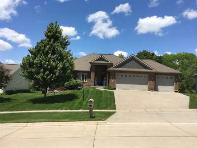 Coralville Single Family Home For Sale: 3007 Wind Ridge Ct
