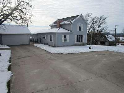 Center Point IA Single Family Home New: $359,777