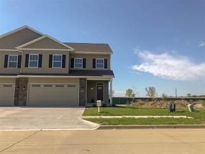 Hills Condo/Townhouse New: 313 Old Oak Ridge
