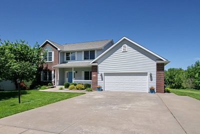 Coralville Single Family Home For Sale: 535 Auburn Hills Dr.