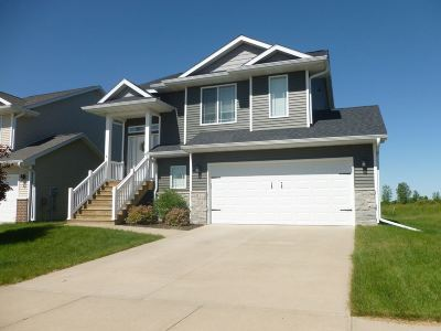 Iowa City Single Family Home For Sale: 2877 Whispering Meadows Dr.