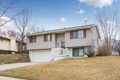 Coralville Single Family Home New: 1901 Farrel Dr