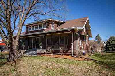 Single Family Home For Sale: 402 S Iowa Ave