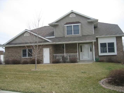 Coralville IA Single Family Home For Sale: $355,000