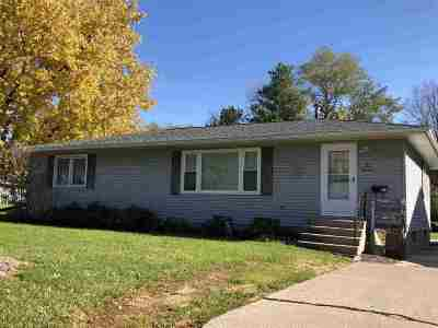 Washington IA Single Family Home For Sale: $112,900