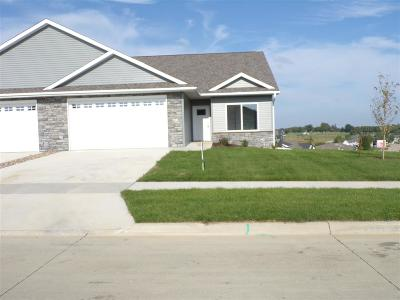 Cedar County Condo/Townhouse For Sale: 401 Ridge View Dr.
