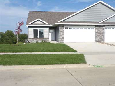 West Branch IA Condo/Townhouse For Sale: $262,000