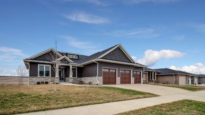 North Liberty Single Family Home For Sale: 1380 Salm Dr