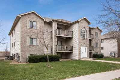 Coralville Condo/Townhouse For Sale: 2874 Coral Court #102