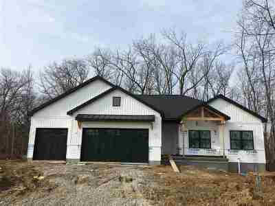 Johnson County Single Family Home For Sale: 858 Tranquil Bluff Trail