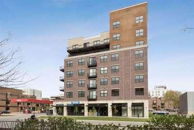 Iowa City IA Condo/Townhouse New: $325,000