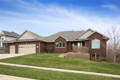 Coralville Single Family Home Contingent: 2360 Muddy Creek Ln