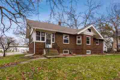 Cedar Rapids Single Family Home For Sale: 2601 1st Ave SE