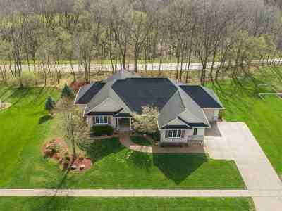Cedar Rapids Single Family Home For Sale: 2736 Cornerstone Ct SE