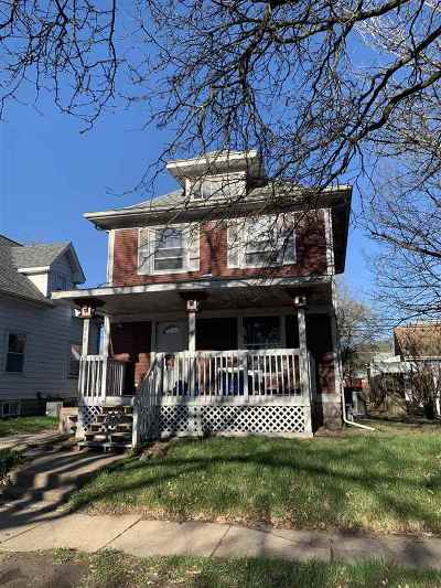 Cedar Rapids Single Family Home For Sale: 818 9th St NW