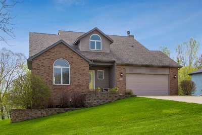 Coralville Single Family Home For Sale: 760 Mesquite Dr